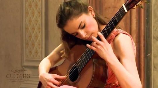 Ana Vidovic plays Asturias by Isaac Albéniz