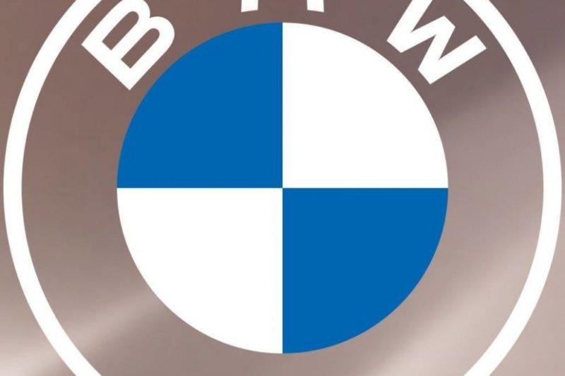 BMW'nin Yeni 2 Boyutlu Logosu