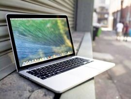 Apple Macbook dizüstü bilgisayar